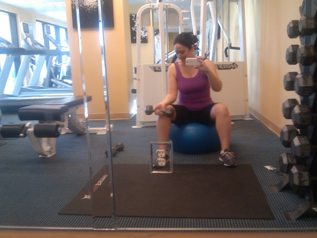 Forearm curls (alternate) to build up strength for aerial yoga and avoid carpal tunnel